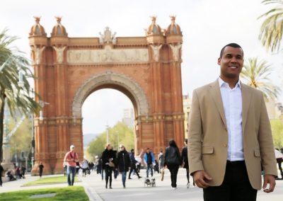Leandro en el Arco del Triunfo
